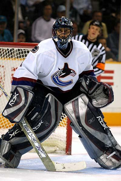Vancouver Canucks goaltender Roberto Luongo