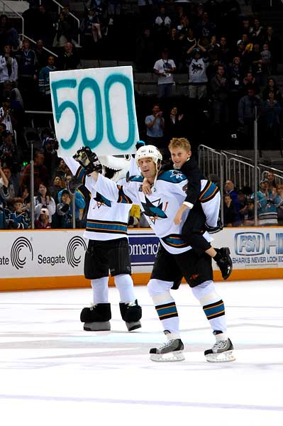 Jeremy Roenick San Jose Sharks NHL retirement press conference 500th goal son Brett