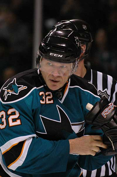 San Jose Sharks forward Claude Lemieux retires