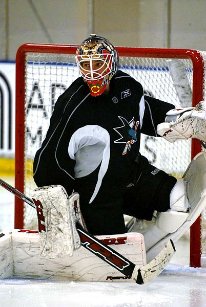 San Jose Sharks start NHL training camp new goaltender Antti Niemi