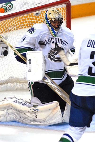 Western Conference Finals Vancouver Canucks goaltender Roberto Luongo shoulder save corsi number