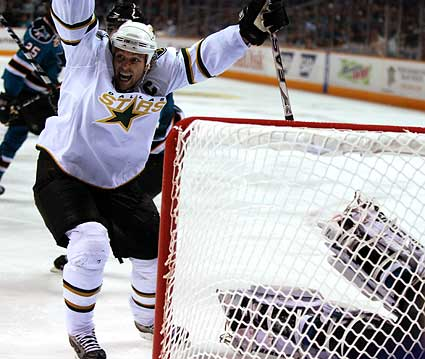 Dallas Stars captain Brenden Morrow celebrates a goal