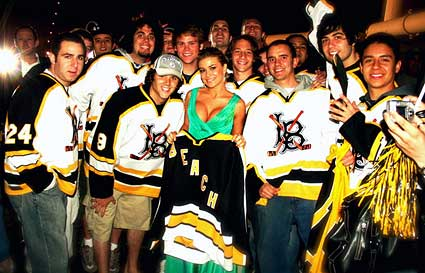 Carmen Electra Long Beach State hockey fan