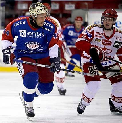 Norwegian Valerenga hockey photographer Espen Hildrup