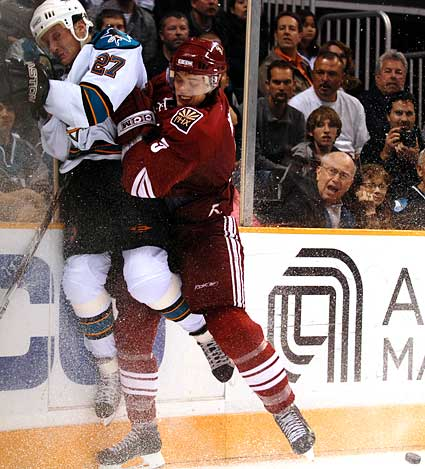 Matt Jones vs Jermey Roenick hockey hit