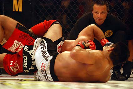 Frank Shamrock submits Phil Baroni