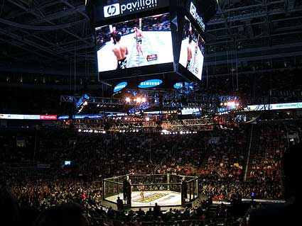 Strikeforce acquires ProElite properties, signs television deal with Showtime