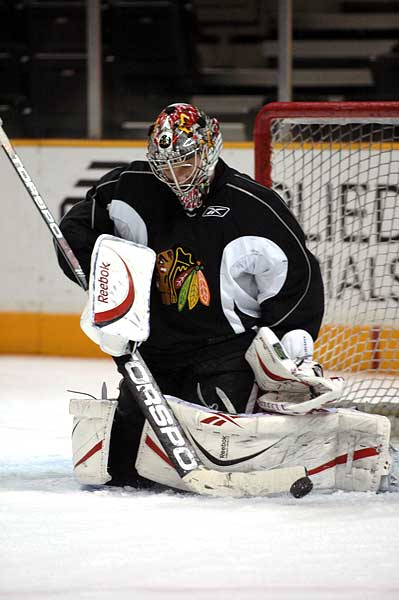 Chicago Blackhawks goaltender Nikolai Khabibulin