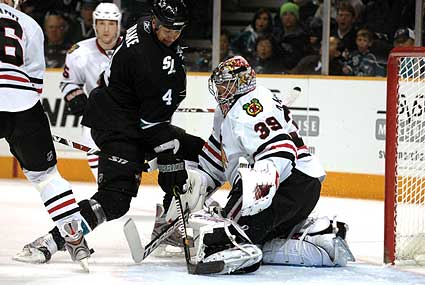 Chicago Blackhawks goaltender Nikolai Khabibulin injured
