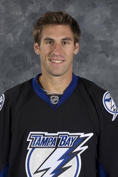 San Jose Sharks acquire defenseman Jay Leach on waivers
