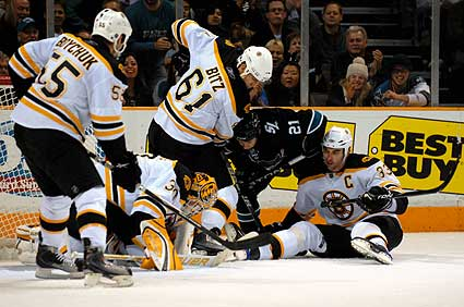 Scott Nichol crashes the net San Jose Sharks NHL Boston Bruins