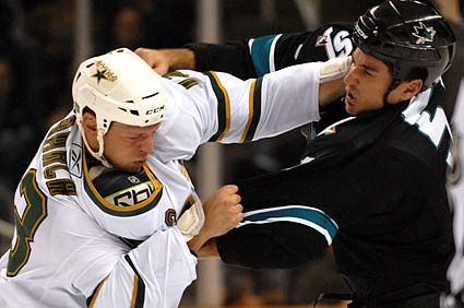 Brad Staubitz vs Kris Barch San Jose Sharks Dallas Stars Hockey Fight