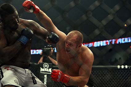 Strikeforce m1 Global Fedor  Emelianenko vs Brett Rogers CBS Chicago