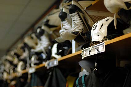 San Jose Sharks clear out the locker room