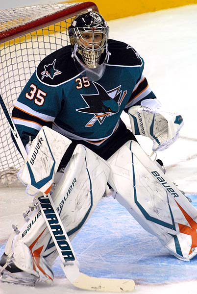 San Jose Sharks goaltender Harri Sateri posts preseason shutout against Phoenix Coyotes