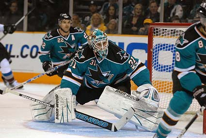 San Jose Sharks goaltender Antti Niemi named NHL first star of the week