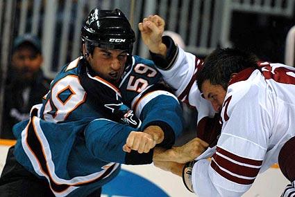 San Jose Sharks trade enforcer Brad Staubitz to the Minnesota Wild