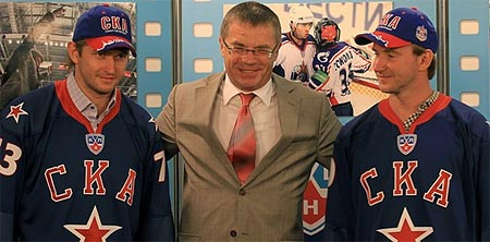 Kontinental Hockey League SKA Saint Petersburg Evgeni Nabokov Alexander Medvedev Denis Grebeshkov press conference