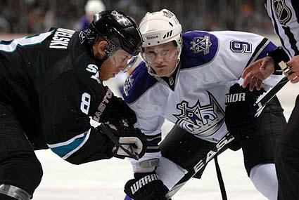 San Jose Sharks Joe Pavelski faceoff Los Angeles Kings Oscar Moller